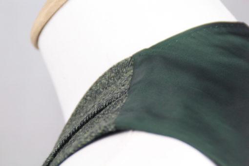 Handgemachte Weste der Sartoria Colazzo in grün, Fischgrät